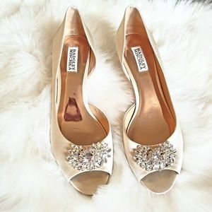 NWOB Badgley Mischka Macie Peep Toe Pump 10
